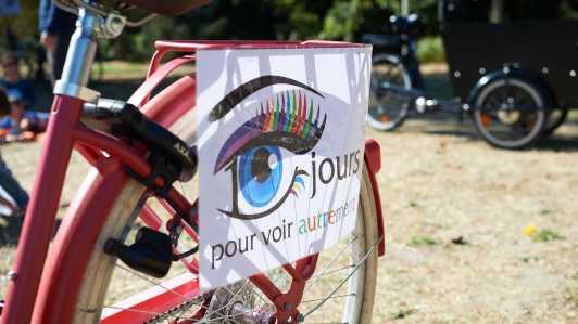 Voir Autrement et surtout à vélo lors de la foire de Chatou...